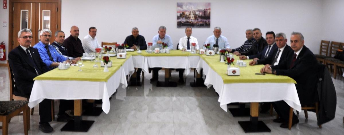 Konfederasyon Yönetimi İzmir'de Toplandı