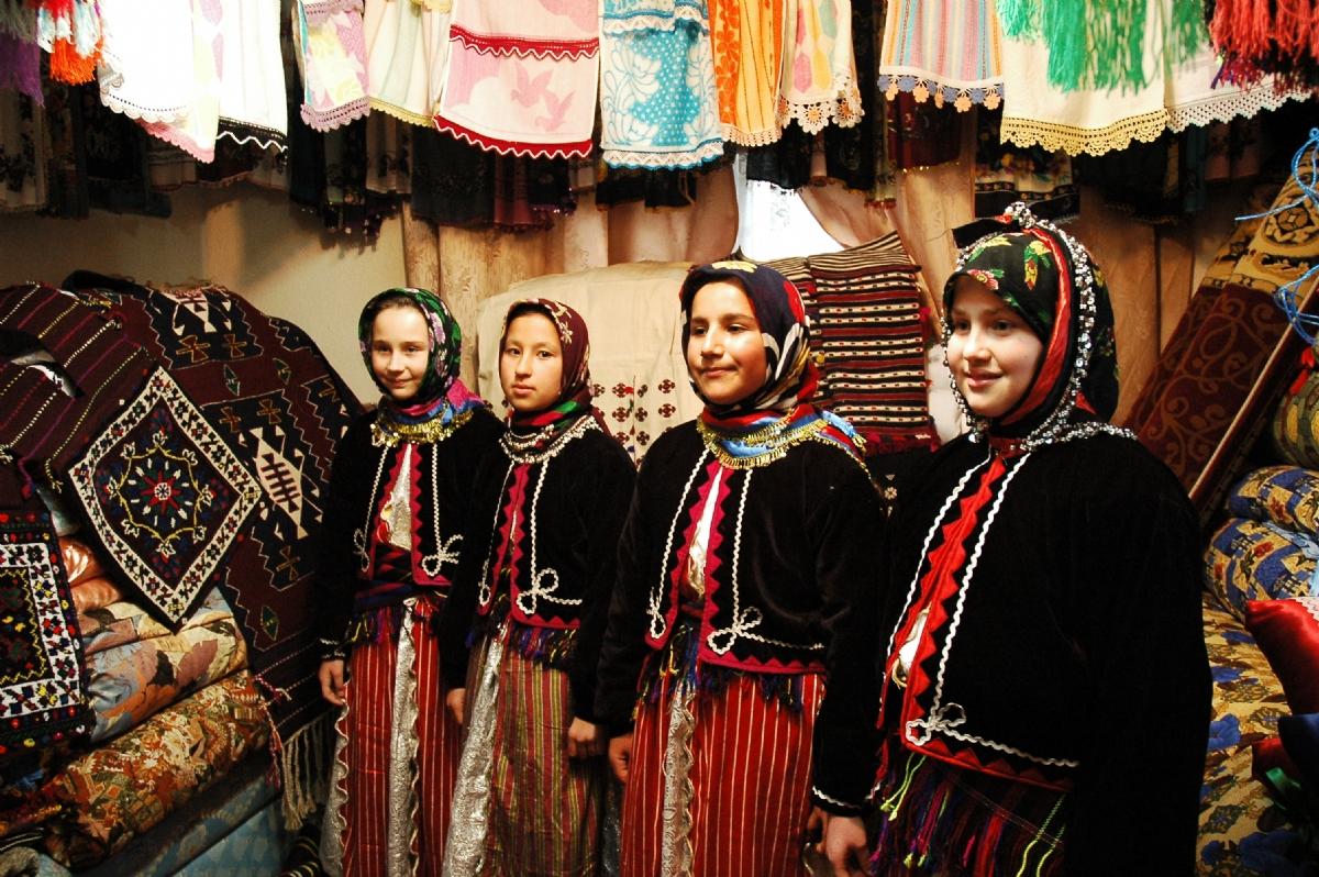 Çepni Türkleri ve Balkan Türkçesi
