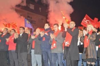 Makedonya'da Adnan Kahil, Bayrağı Enes İbrahim'e Bıraktı