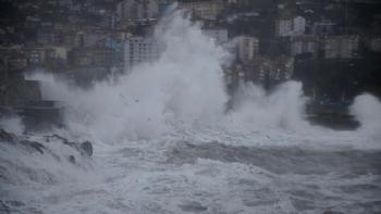 Karadeniz'e 9 Şiddetinde Fırtına Geliyor