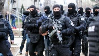 Kosova'da Yüksek Gerilim