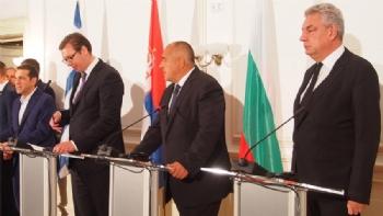 Kader Özlem: Balkanlar'da Rekabetin Yerini İşbirliği Alıyor